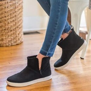 Ugg Rylee Suede Woven Black Mini Boots Koolaburra